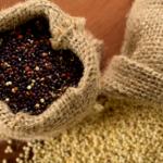 Zuppa di lenticchie, quinoa e spinaci