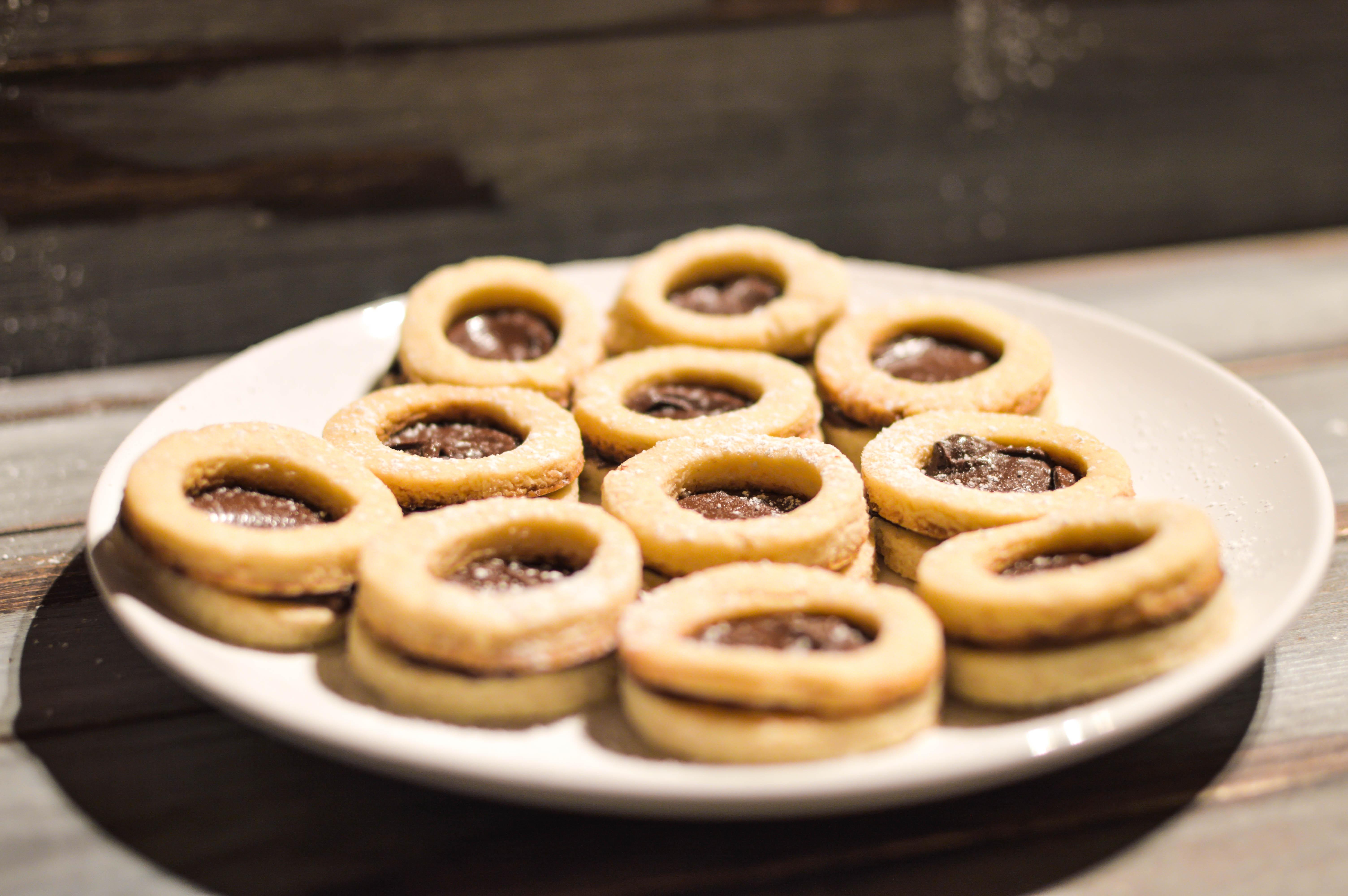 biscottini vegan ripieni con nocciolata