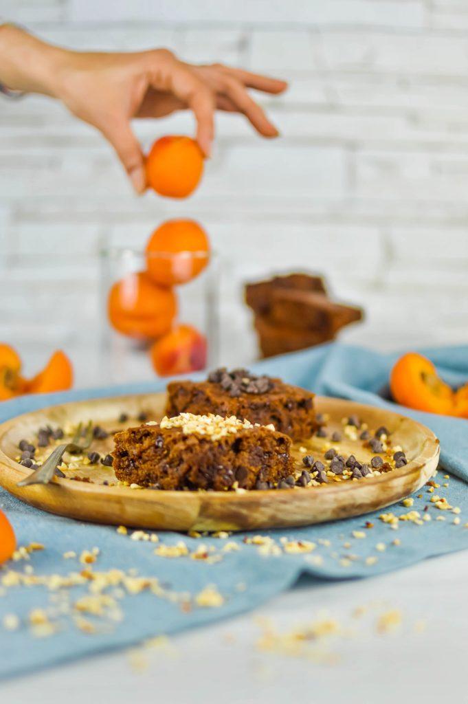 Vegan brownies con albicocche